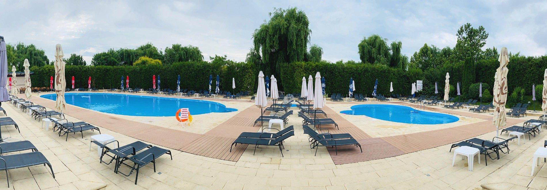 header piscina
